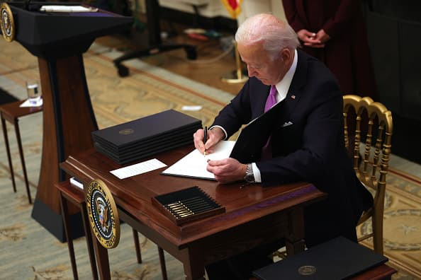 Biden wants to end confusion over when unemployed workers can refuse a job