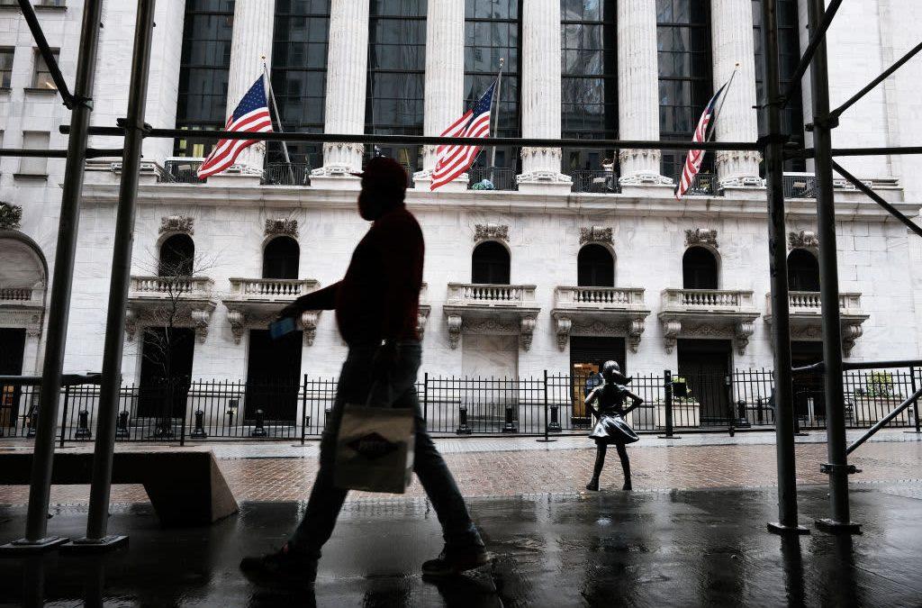 Stock futures tick higher after S&P 500, Nasdaq notch fresh records