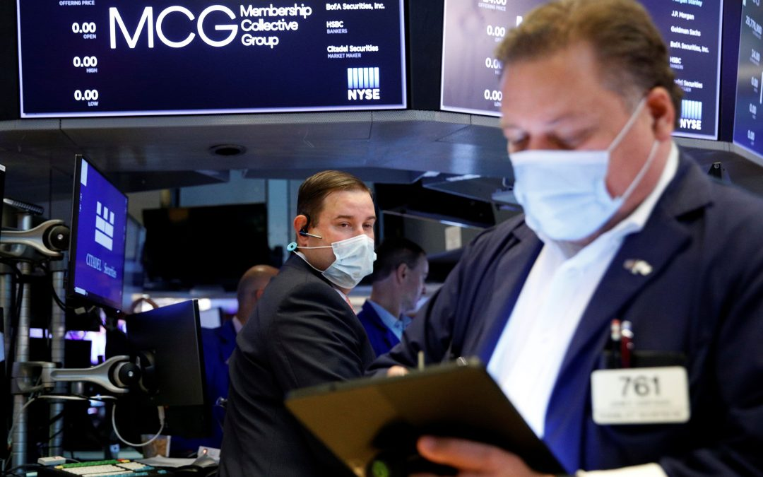 Stock futures are flat after major averages turn positive for the week
